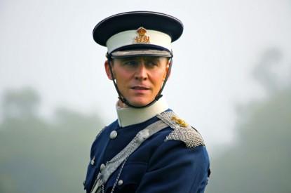 Второй хозяин боевого коня (Том Хиддлстон)